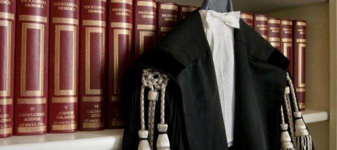 Ritornano le tariffe minime per gli avvocati: la nuova proposta